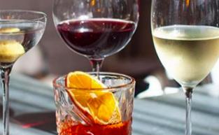 Wineslinger's Venues That Rosé The Bar