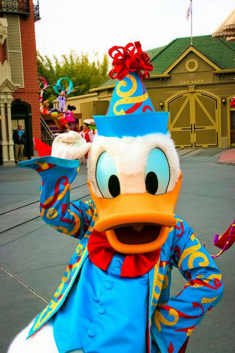 World's Most Famous Duck Celebrates Birthday In Oz